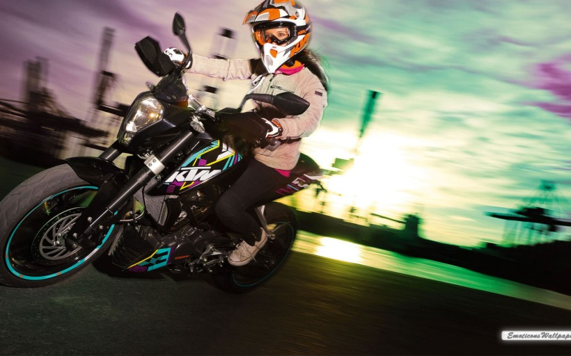 KTM_125_Duke_2011_10-1440x900