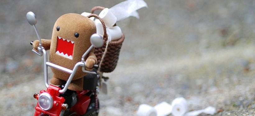 funny-motorbike-toilet-paper-man